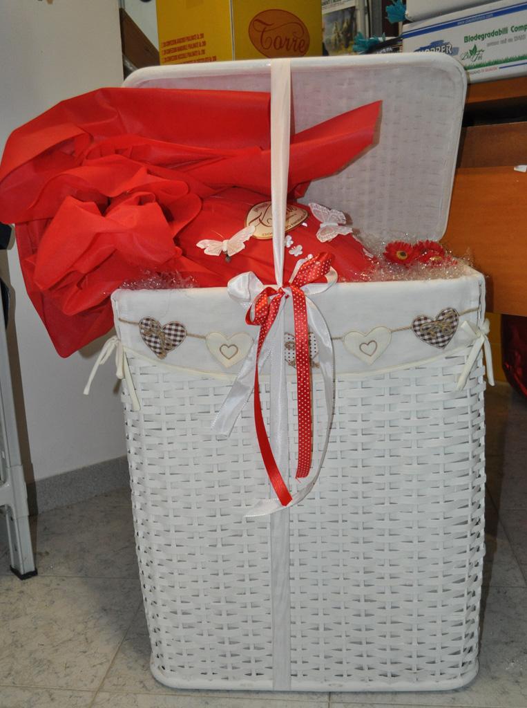 uovo confezione regalo cesta kg. 2